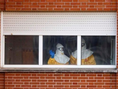 заразившаяся Эбола медсестра пошла на поправку