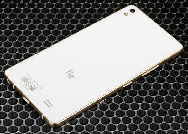 Недорогих смартфонов станет меньше
