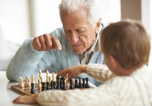 средняя продолжительность жизни в РФ до 71 года