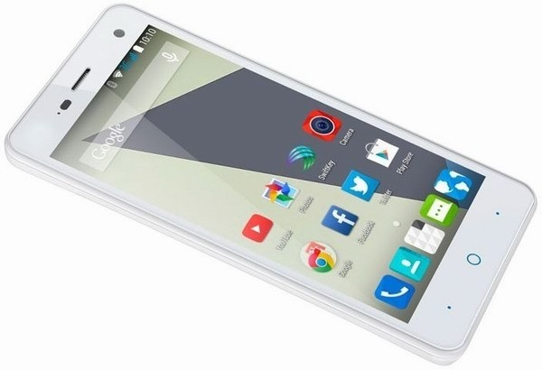 смартфон ZTE Blade