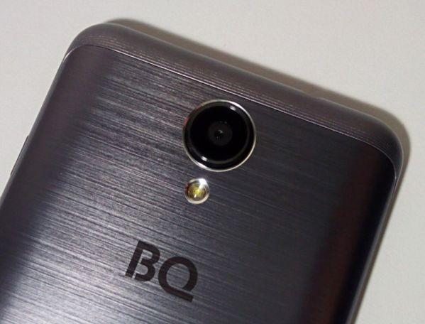 камера у BQ Strike 2