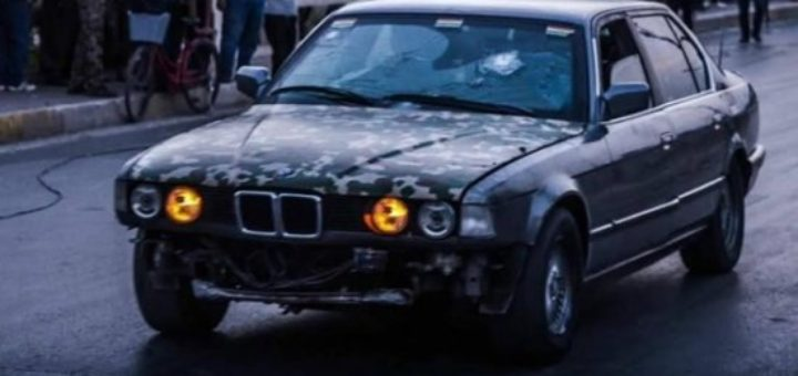 Житель Ирака на бронированном BMW