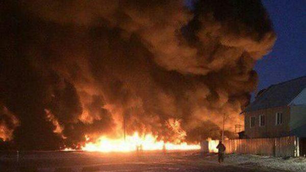 Пожар на нефтепроводе в Саратовской области