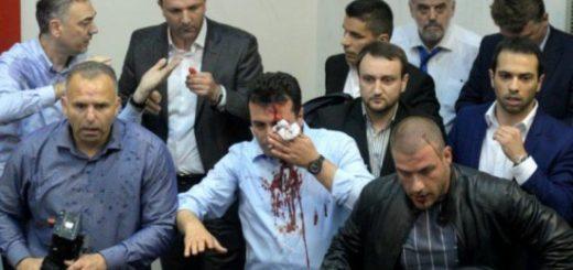 националисты штурмовали парламент