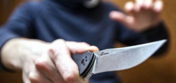 жительница Петербурга отбилась от вооруженного грабителя