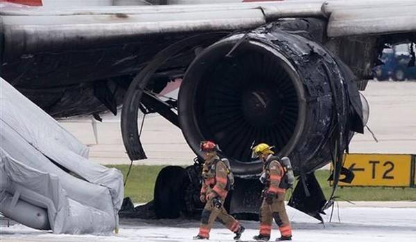 Самолет с горящим двигателем благополучно вернулся