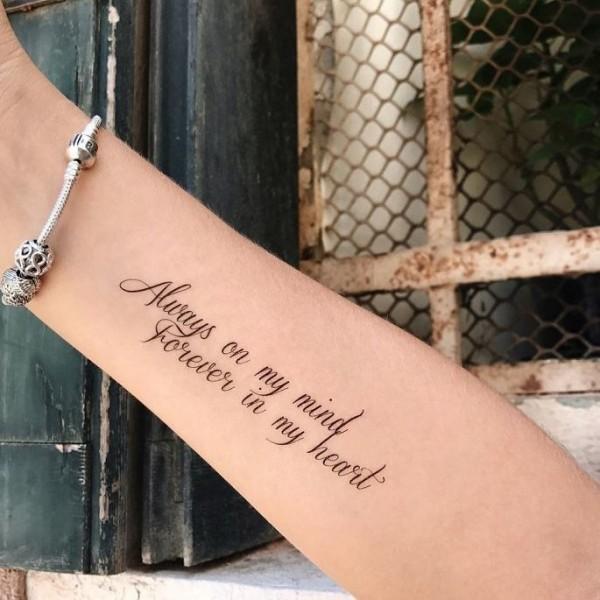 надписи на руке для девушек