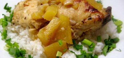 Приготовление курицы с ананасами